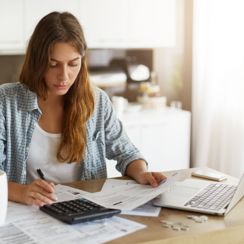 Tired of being broke? These personal finance tips will help you keep going when you have no money and start moving towards financial freedom.